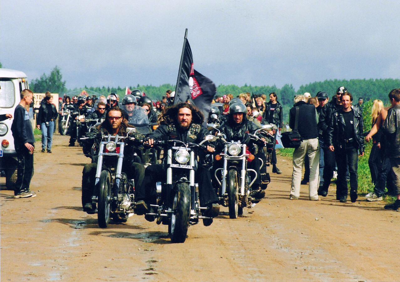 Фото открытие сезона мотоциклов в луганске 2010 ночных волков 6