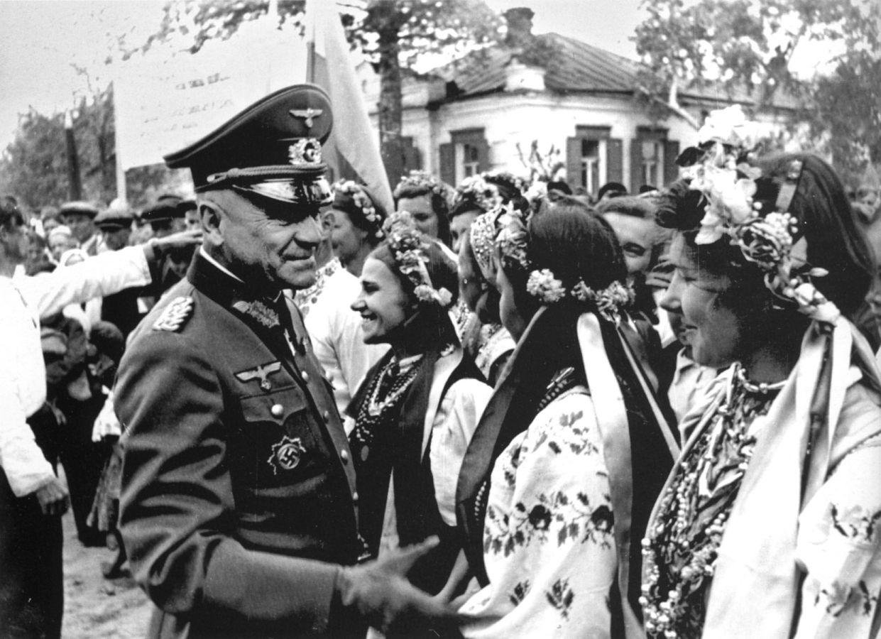 Растерзанные фашистами девушки 3 фотография