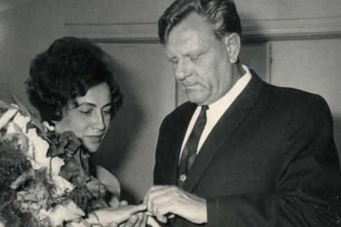 В.Н. Лисицкая и А.С. Поляков в день бракосочетания. 1970 г.