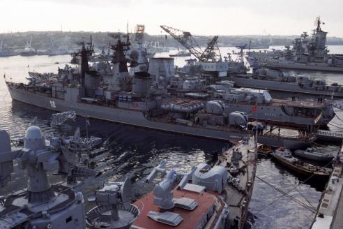 Главная военно-морская база Черноморского флота в Севастополе. 1991 г.