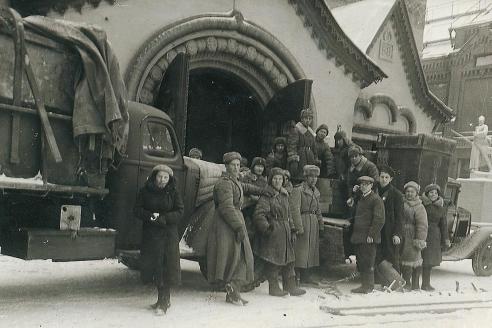 Возвращение художественных произведений Третьяковской галереи в Москву. 1944 г.