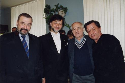 С Г. Гориным, М. Захаровым и Н. Караченцовым после премьеры музыкальной драмы «Оперный  дом». 2000 г.