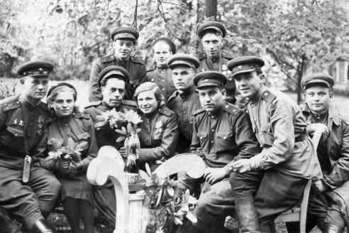 Сотрудники отдела контрразведки «Смерш» 33-й армии 1-го Белорусского фронта. Берлин. 1945 г.