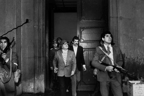 Президент Чили Сальвадор Альенде во время военного переворота. 1973 г.