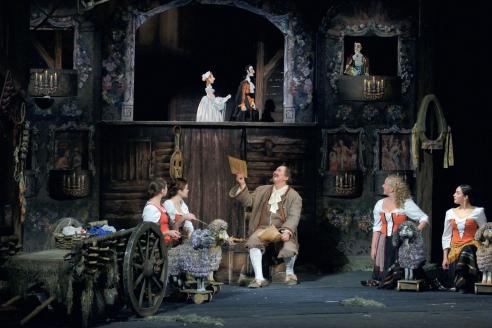 Сцена из спектакля «Безумный день, или Женитьба Фигаро»