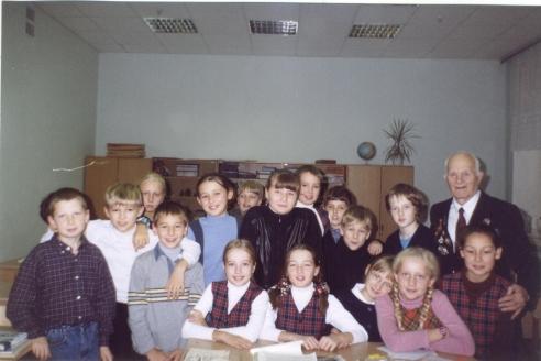 В. Дергачёв на встрече с учениками одной из московских школ