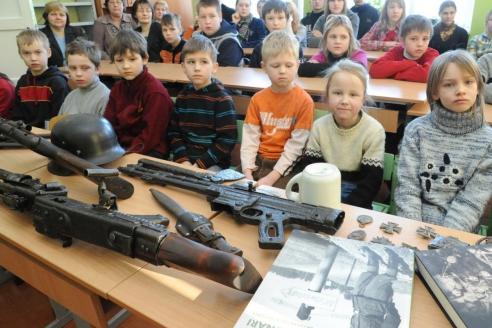 Так называемый урок патриотизма в школах Латвии, на котором рассказывают о латышских воинах СС