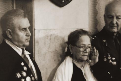 К. Фигередо с боевыми соратниками своего сына М.П. Зуевым и Г.М. Коварским на торжественной встрече в посольстве Кубы в Москве