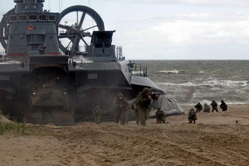 Высадка десанта с выгрузкой бронетехники