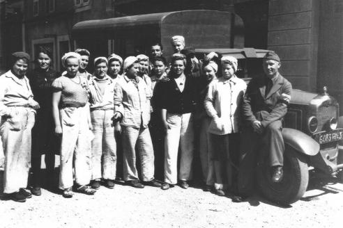 Каторжницы из лагеря г. Эррувилль и шахты г. Тиль