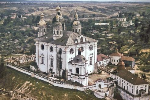 Вид Успенского собора с немецкого самолёта (трофейное фото)
