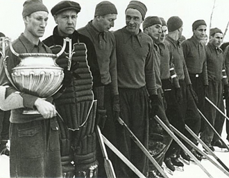 Первым чемпионом страны по хоккею с шайбой стала московская команда «Динамо». 26 января 1947 г.