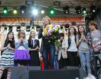 В подмосковном селе Атепцево прошёл четвёртый музык ально-благотворительный фестиваль «Дорога добрых дел». 2015 г.