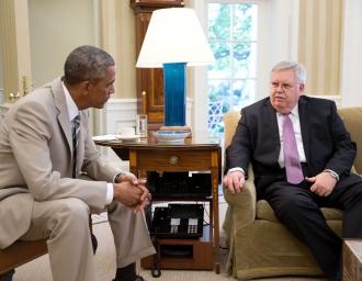 Президент Б.Обама и нынешний посол США в РФ Д.Теффт