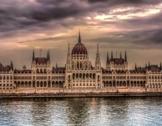 Здание венгерского парламента. Будапешт
