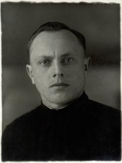 Алексей Ботян - молодой сотрудник НКВД СССР
