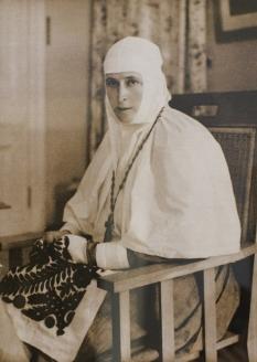 Елизавета Фёдоровна в облачении сестры милосердия