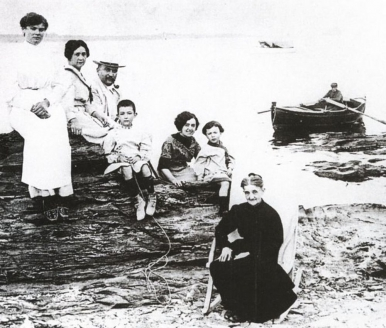 Семья Дали. 1910 г.