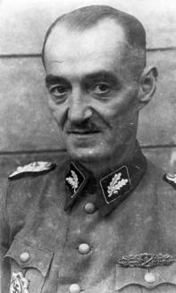 Оберфюрер СС Оскар Дирлевангер. Варшава. 1944 г.